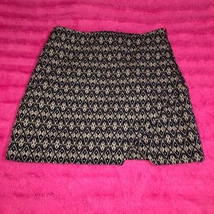 Buttons black and white fully lined mini skirt S